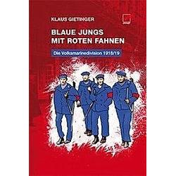 Blaue Jungs mit roten Fahnen