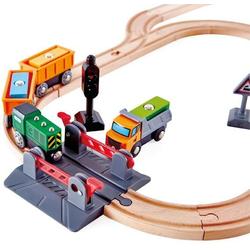 Hape Gleise-Set Bahnübergang & Kran-Set, aus Holz