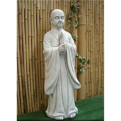 Mönch stehend