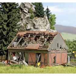 Busch 1669 H0 Verfallene Stallung