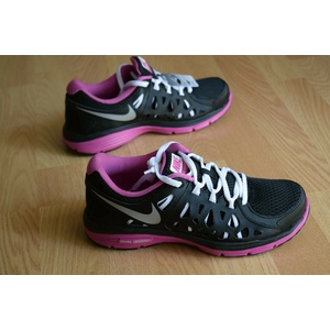 Nike Wmns Dual Fusion Run 2 Gr 38 Free Ext Trainer Training Light Flex Lunar