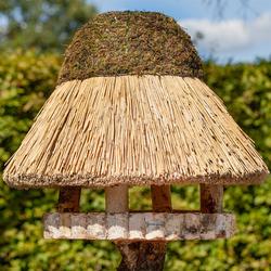 VOSS.garden Vogelhaus mit Reetdach