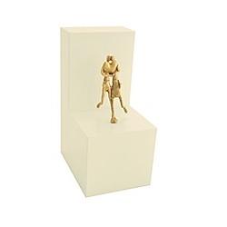 Paar mit Herz - Bronzefigur auf Holzblock