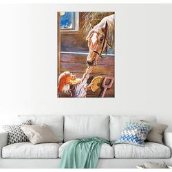 Posterlounge Wandbild, Zwerg füttert das Pferd im Stall 40 cm x 60 cm