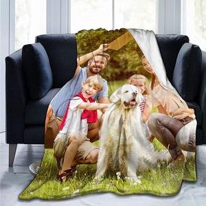 Fotodecke mit Eigenem Foto Name,Super Weich Personalisierte Foto Decke Selbst Gestalten Bedrucken Lassen Kuscheldecke Geschenk für Freunde Familie Geburtstag Weihnachten(1 Foto)