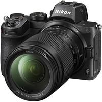Nikon Z 5 + Z 24–200 mm VR