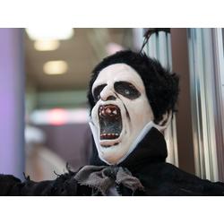 EUROPALMS Dekofigur Kleiner Vampir - Halloween Figur 90cm - blinkende Augen und Geräusche - Akustiksensor