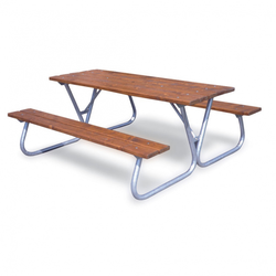 Außentisch mit sitzbänken