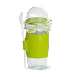 EMSA CLIP & GO Yoghurtbecher, Praktischer To-Go-Becher mit beigefügtem Löffel, Maße (B x L x T): 20,1 x 10,6 cm