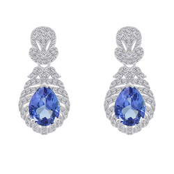 Goldene Ohrringe mit Tansaniten und Diamanten Fujita
