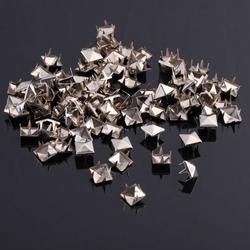 25 x 25 Pyramidennieten Ziernieten Metall Nieten Spikes Gothic Punk - silber