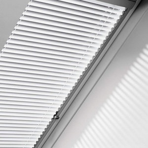 Orignal VELUX Jalousie / Jalousette PAL P08 7057S / Bedienart : Manuell / Farbe : Uni Silber / Fenstergröße : 408 / Fenstertypen : GGL, GPL, GHL, GTL, GXL _20673