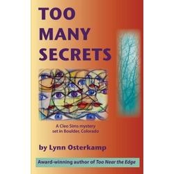 Too Many Secrets als Taschenbuch von Lynn Osterkamp
