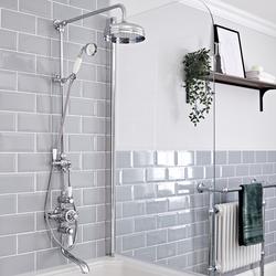 Retro Duschsystem mit Wanneneinlauf - Jade V - Chrom Aufputz Duschsäule, von Hudson Reed