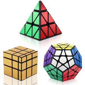 Vdealen Zauberwürfel Set, Speed Cube Set mit Pyramide Zauberwürfel & Megaminx Zauberwürfel & 3x3 Mirror Cube, 3 in 1 Unregelmäßige Magic Cube Set, Gold