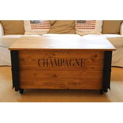 Uncle Joe´s Couchtisch XL Champagne, im Truhen-Design