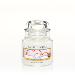 YANKEE CANDLE Kleine Kerze SNOW IN LOVE 104 g Duftkerze