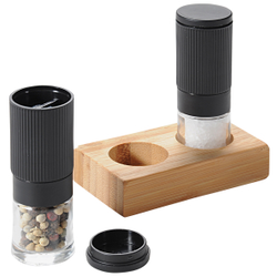 Kesper Pfeffer- & Salzmühle Set, 3-teilig, 1 x Salzmühle + 1 x Pfeffermühle + 1 x Bambustablett, 1 Set