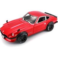 Bauer Spielwaren Maisto Datsun 240Z '71: Originalgetreues Modellauto 1:18, mit Abgasanlage, bewegliche Türen, Koffer- & Motorraum zum Öffnen, 28 cm, rot (532611)
