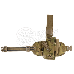Oberschenkelholster für Pistolen und Revolver in Multicam mit Magazintasche