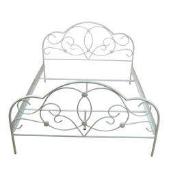 Bett in Creme Weiß Stahl