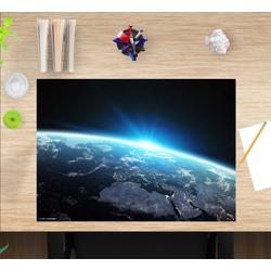 cover-your-desk.de Schreibtischaufsatz Schreibtischunterlage für Kinder – Erdkugel bei Nacht – 60 x 40 cm – aus hochwertigem Vinyl, (1-St)