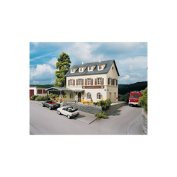 PIKO Modelleisenbahn-Set PIKO Spur H0 Bausatz Landgasthof Krone