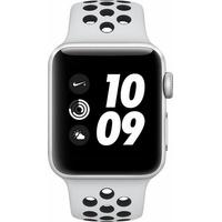 Apple Watch Nike+ Series 3 (GPS) 38mm Alumiumgehäuse silber mit Nike Sportarmband pure platinum / schwarz