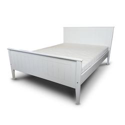 Łóżko Loreni z sosnowego drewna