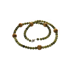 Bella Carina Perlenkette Lange Kette mit Jade und Holz Perlen hell 60 cm