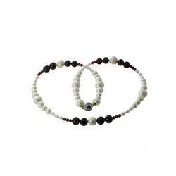 Bella Carina Perlenkette Süßwasser und Granat, Süßwasser Perlen und Granat 55 cm