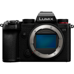 Lumix Panasonic DC-S5E-K Body Systemkamera-Body (24,2 MP, WLAN (Wi-Fi), Bluetooth)