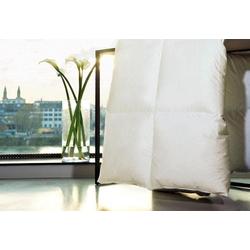 Gänsedaunenbettdecke, Harmony, Centa-Star, warm, Füllung: 100% Gänsedaunen, Bezug: 100% Baumwolle, (1-tlg), Hochwertige Gänsedaunen umhüllt von feinstem Mako-Daunenbatist 155 cm x 220 cm