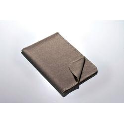 Babydecke Die Kleine – Merino-Decke 70 cm x 100 cm (270 g), Kaipara - Merino Sportswear, Kuschelig weiche Woll-Decke aus reiner Merinowolle - ungefärbt, unbehandelt und mulesing-frei - Made in Germany grau