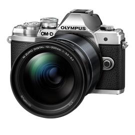 Olympus OM-D E-M10 Mark III silber + 12-200 mm