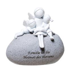 Udo Schmidt Bremen...das Original Engelfigur Udo Schmidt GmbH & Co Schutzengel auf Stein mit Spruch: Familie ist die Heimat des Herzens Engel Figur