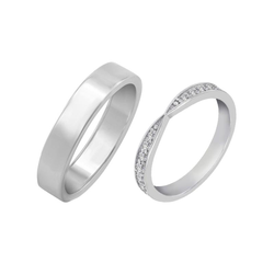 Trauringe mit Eternity Ring und Flat-Court Ring Hane