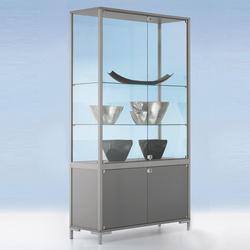 Abschließbare Glasvitrine mit Unterschrank
