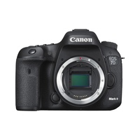 Canon EOS 7D Mark II + EF 24-105mm IS STM