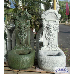 BAD-2126 Wandbrunnen mit Bacchus und Sonnenuhr Wein Weinbrunnen 110cm 138kg (Farbe: hellgrau)
