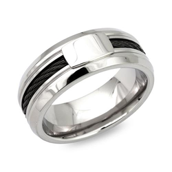 Moderner Ring Edelstahl mit schwarzem Stahlseil