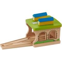 EverEarth Spielzeugeisenbahn-Gebäude Eisenbahnschuppen, FSC®-Holz aus gewissenhaft bewirtschafteten Wäldern bunt
