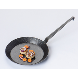 TURK Eisenpfanne 28 cm Ø mit Hakenstiel