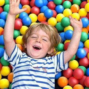 Infantastic® Babybälle für Bällebad - Setwahl: von 100 bis 2000 Stück, Ø 5.5cm, BPA frei, Farbmischung aus 5 Farben - Bälle, Kinderbälle, Plastikbälle, Spielbälle