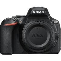 Nikon D5600 + AF-S DX 18-105mm ED VR